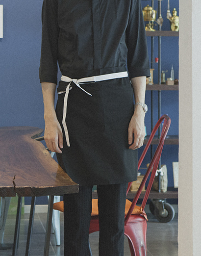 (AA1554) le coloration apron - black